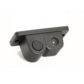 Камера заднего вида с датчиком парковки